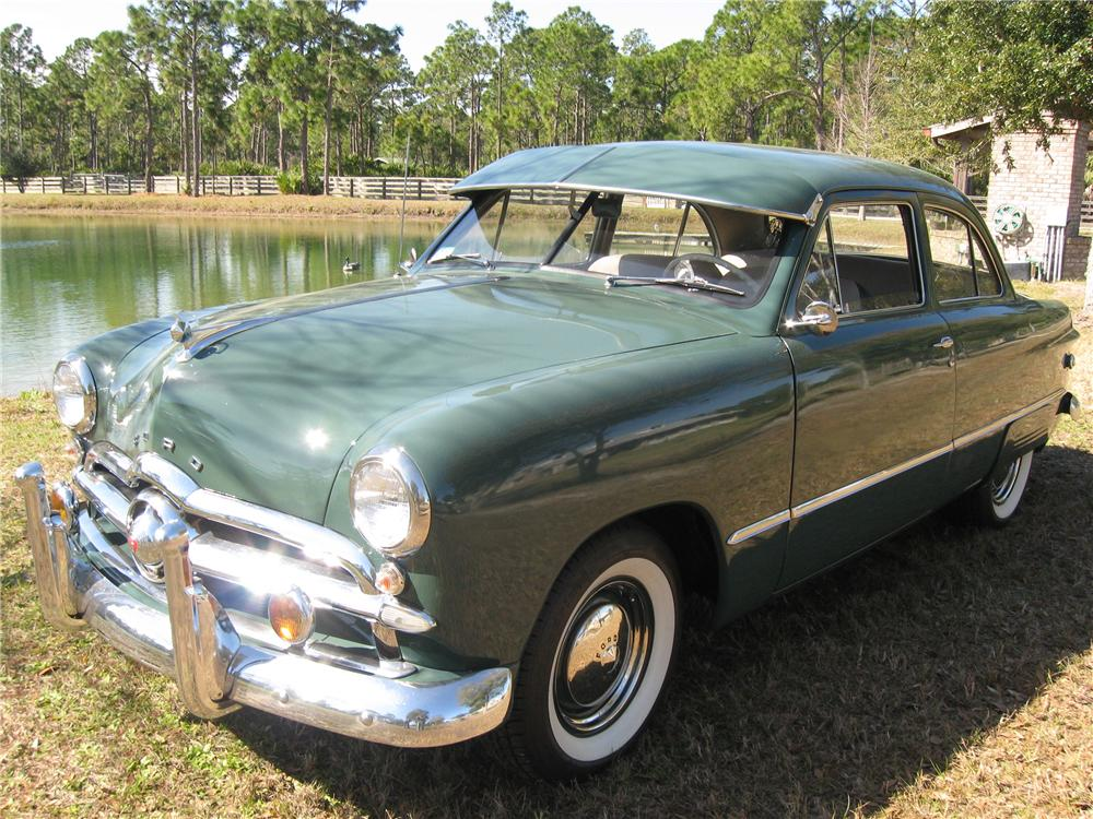 1949 FORD 2 DOOR SEDAN - Side Profile - 89062