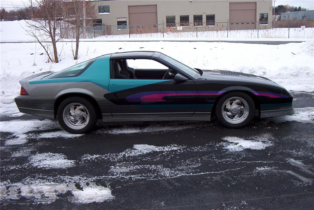 1987 CHEVROLET CAMARO IROC CUSTOM 2 DOOR COUPE - Side Profile - 89094