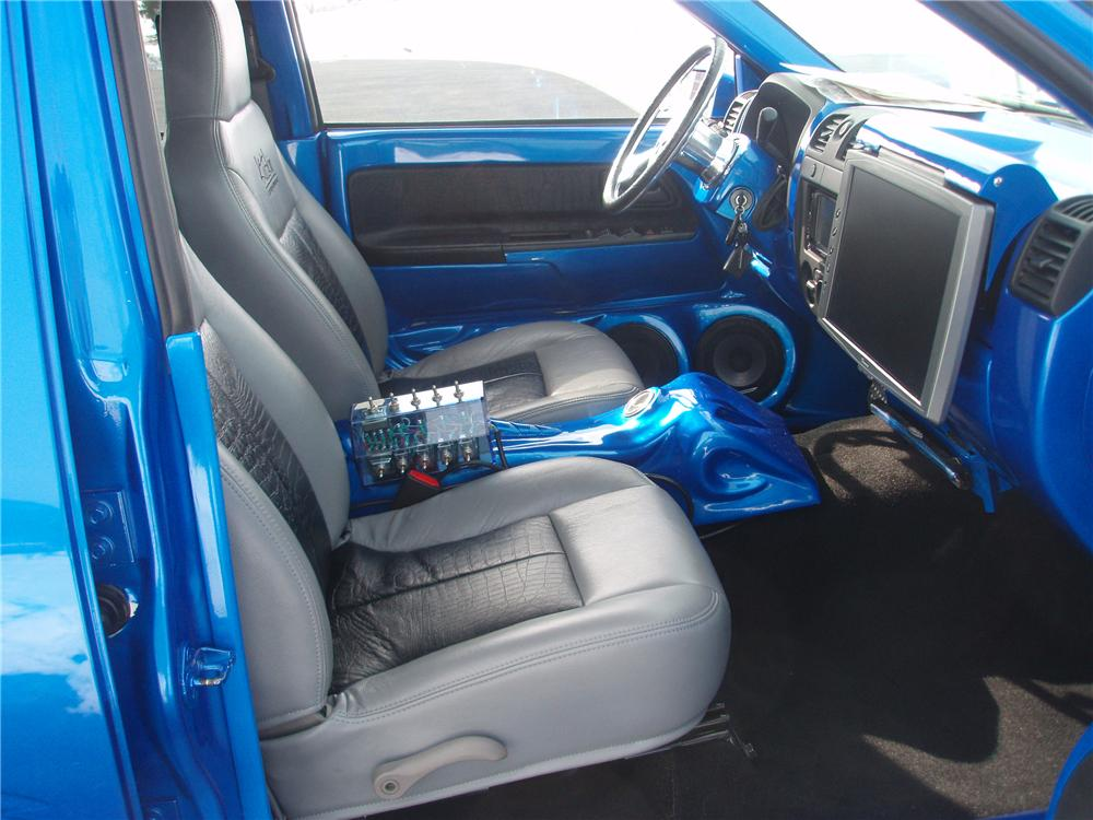 2005 CHEVROLET COLORADO CUSTOM PICKUP - Interior - 89106