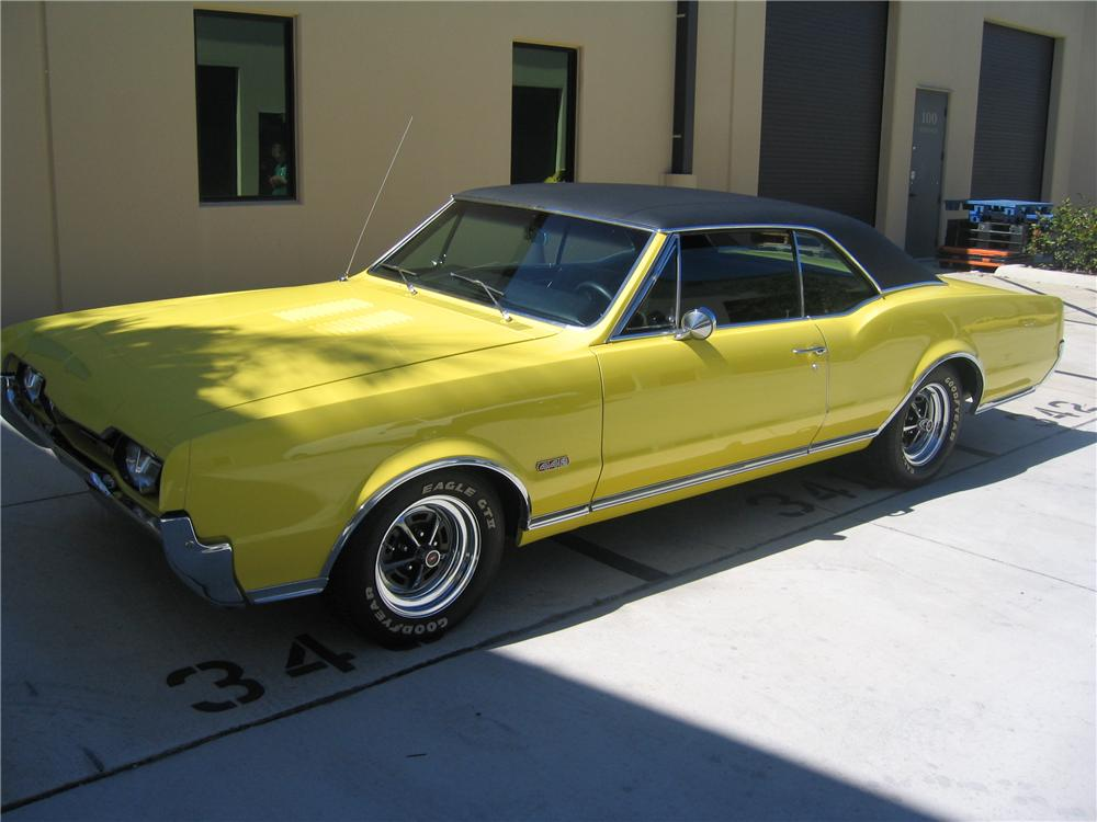 1967 OLDSMOBILE 442 2 DOOR COUPE - Front 3/4 - 89134