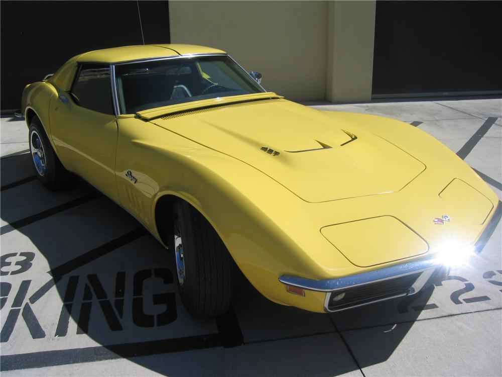 1969 CHEVROLET CORVETTE 2 DOOR COUPE - Front 3/4 - 89136