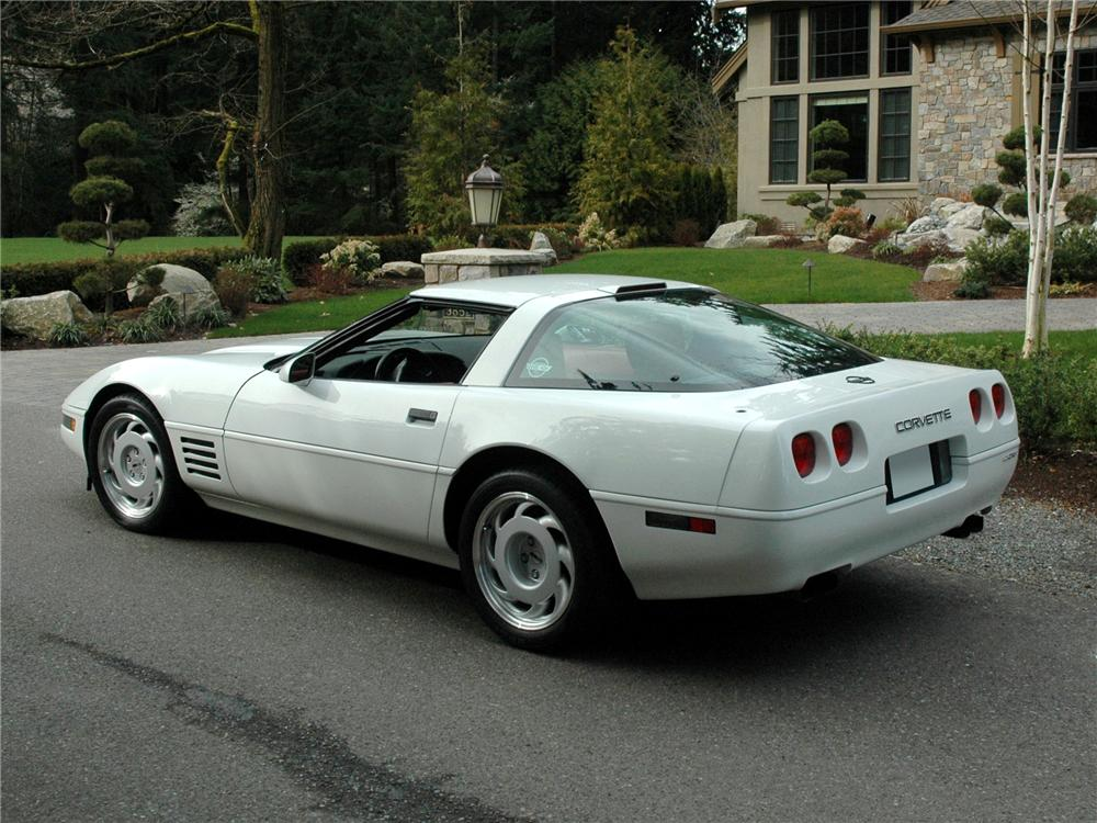 1991 CHEVROLET CORVETTE ZR-1 COUPE - Rear 3/4 - 89151