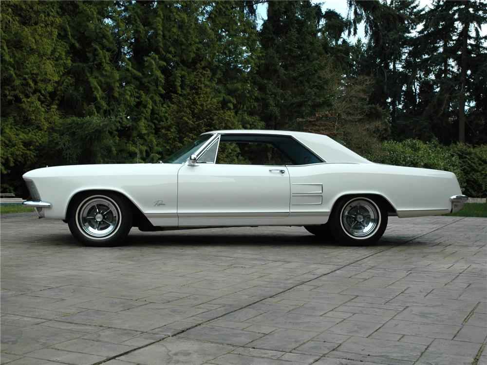 1964 BUICK RIVIERA 2 DOOR COUPE - Side Profile - 89153
