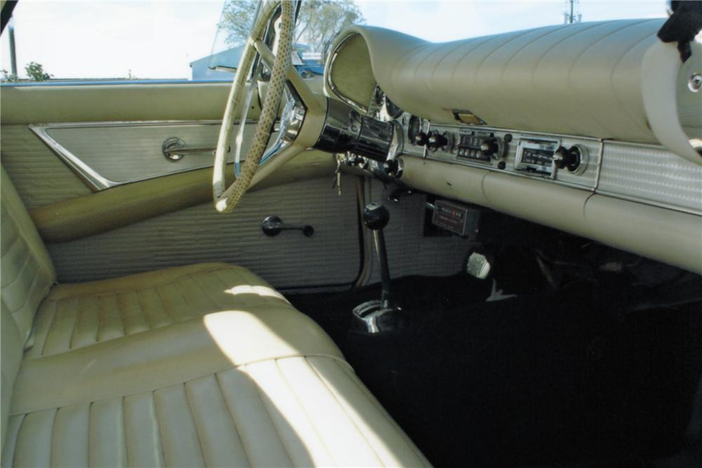 1957 FORD THUNDERBIRD 2 DOOR ROADSTER - Interior - 89165