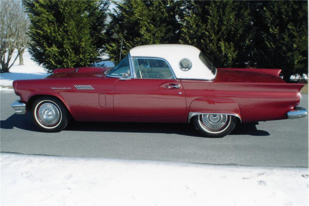 1957 FORD THUNDERBIRD 2 DOOR ROADSTER - Side Profile - 89165