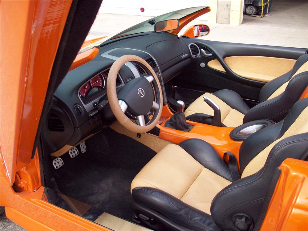 2004 PONTIAC GTO CUSTOM ROADSTER - Interior - 89172