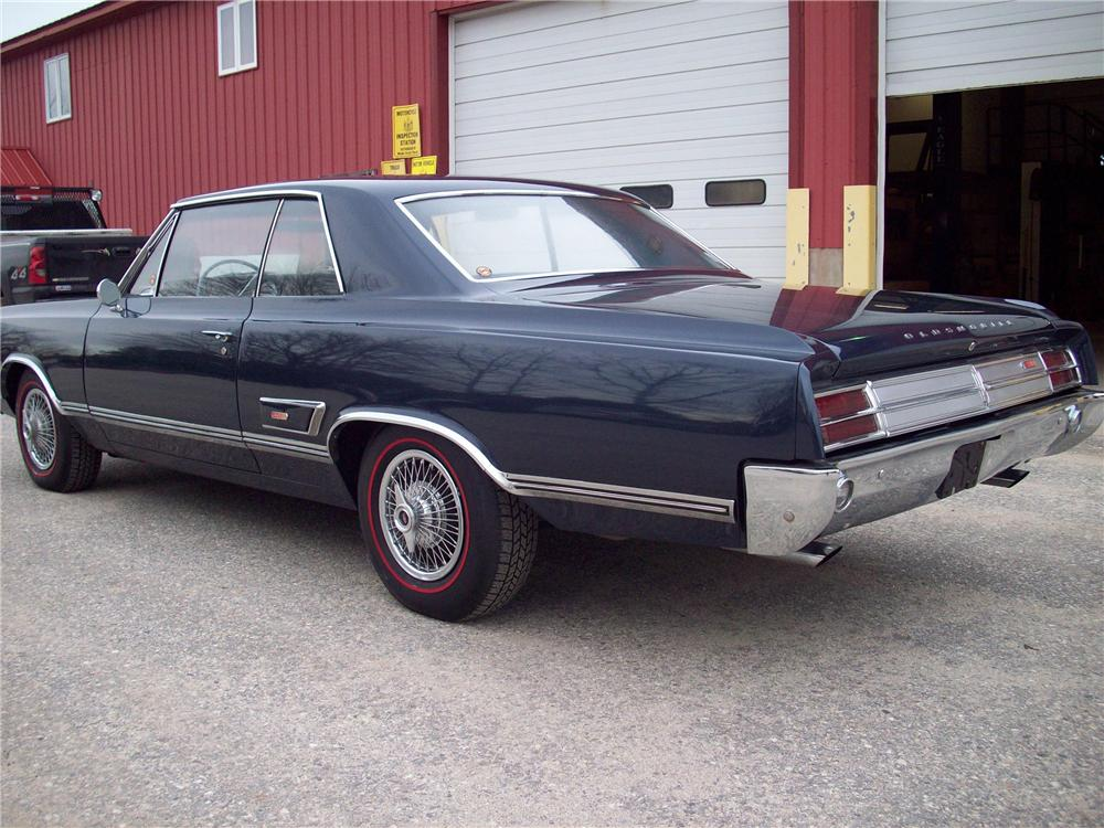 1965 OLDSMOBILE HOLIDAY 442 2 DOOR HARDTOP - Rear 3/4 - 89173