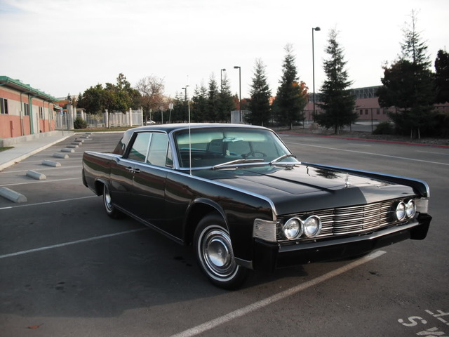 1965 LINCOLN CONTINENTAL 4 DOOR HARDTOP - Front 3/4 - 89174