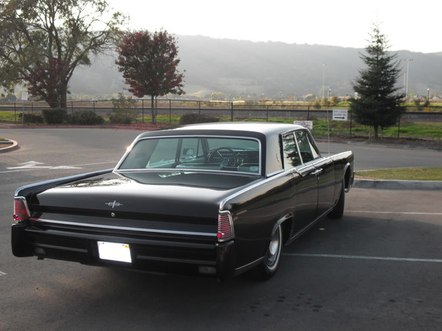1965 LINCOLN CONTINENTAL 4 DOOR HARDTOP - Rear 3/4 - 89174