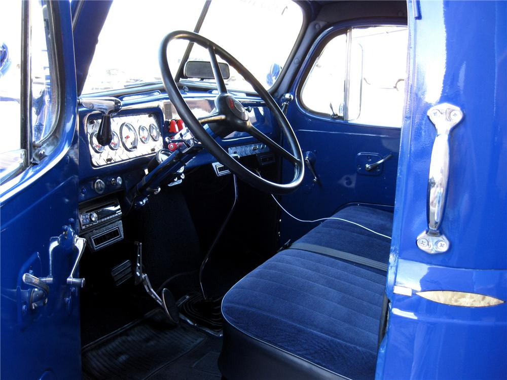 1953 REO SPEEDWAGON F-20 CUSTOM RESCUE SQUAD TRUCK - Interior - 89182