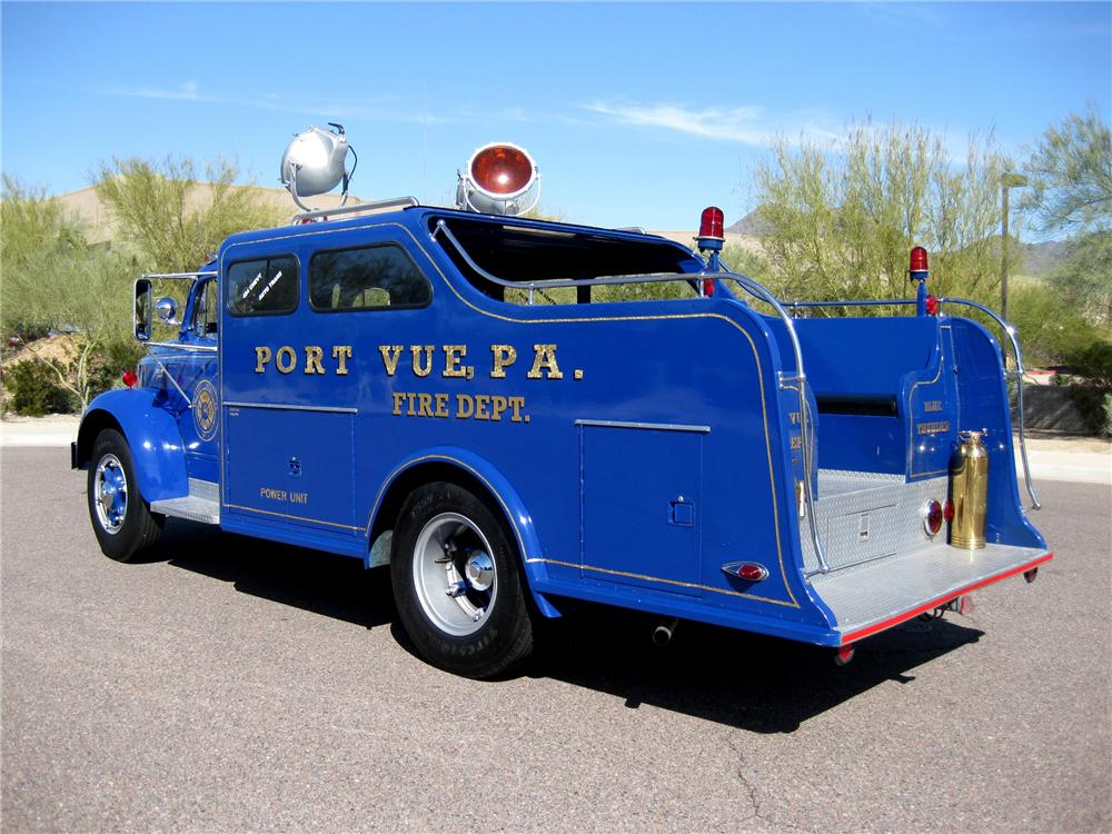 1953 REO SPEEDWAGON F-20 CUSTOM RESCUE SQUAD TRUCK - Rear 3/4 - 89182