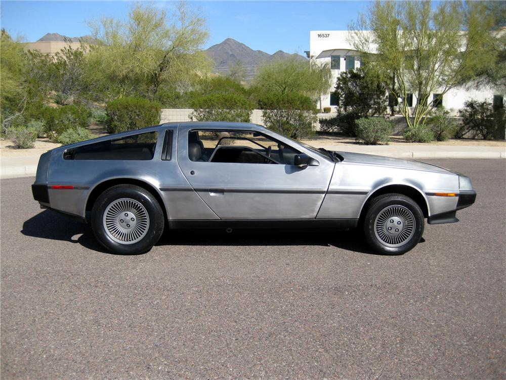 1981 DELOREAN DMC-12 GULLWING - Side Profile - 89185