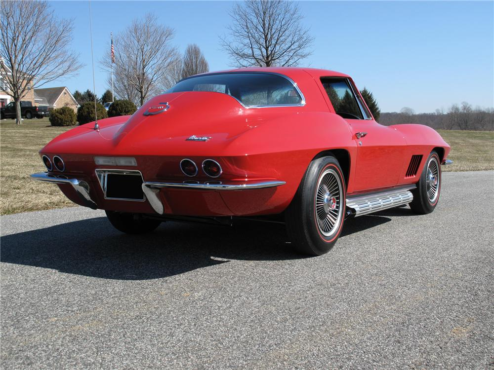 1967 CHEVROLET CORVETTE COUPE - Rear 3/4 - 89192