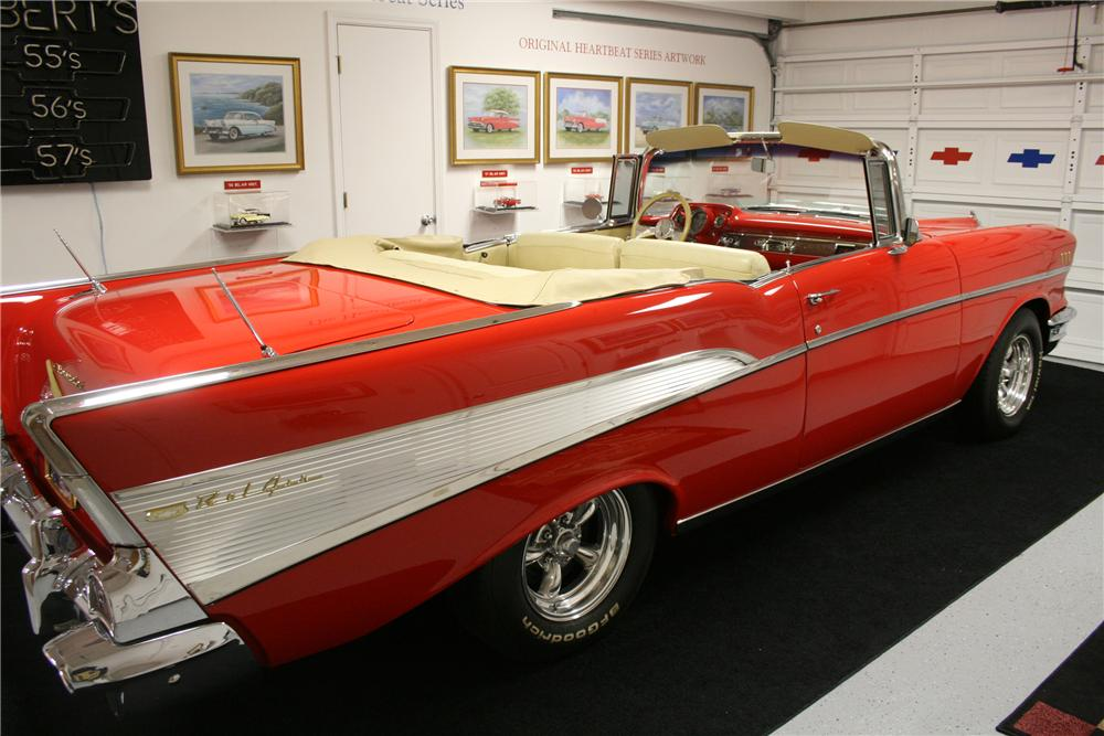 1957 CHEVROLET BEL AIR CUSTOM CONVERTIBLE - Front 3/4 - 89201