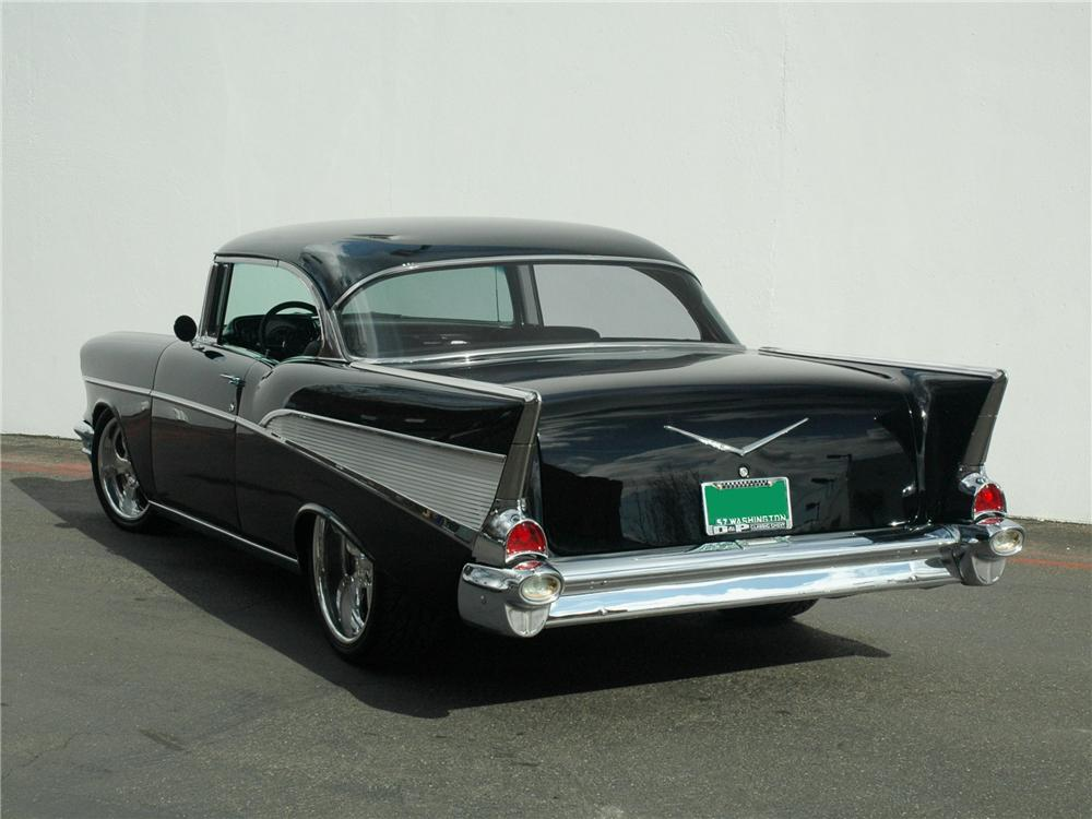 1957 CHEVROLET BEL AIR CUSTOM HARDTOP - Rear 3/4 - 89205