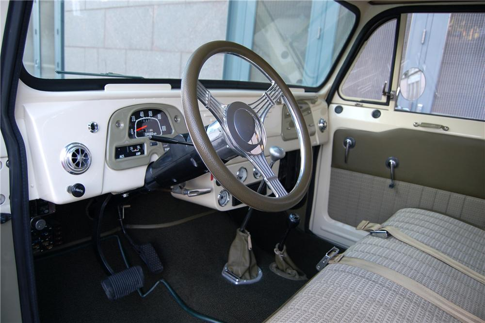 1967 TOYOTA LAND CRUISER 4 DOOR FJ45 - Interior - 89206