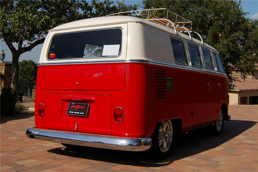 1966 VOLKSWAGEN CUSTOM BUS - Rear 3/4 - 89207