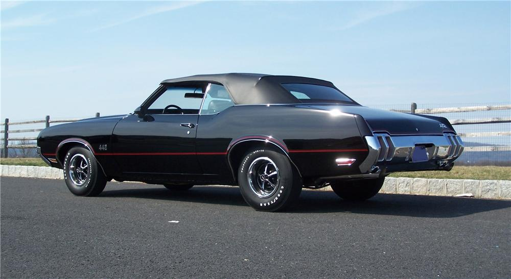 1970 OLDSMOBILE CUTLASS 442 CONVERTIBLE - Rear 3/4 - 89211