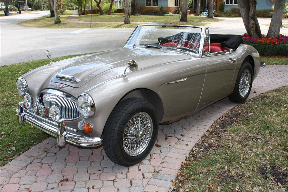 1967 AUSTIN-HEALEY 3000 BJ8 ROADSTER - Front 3/4 - 89212
