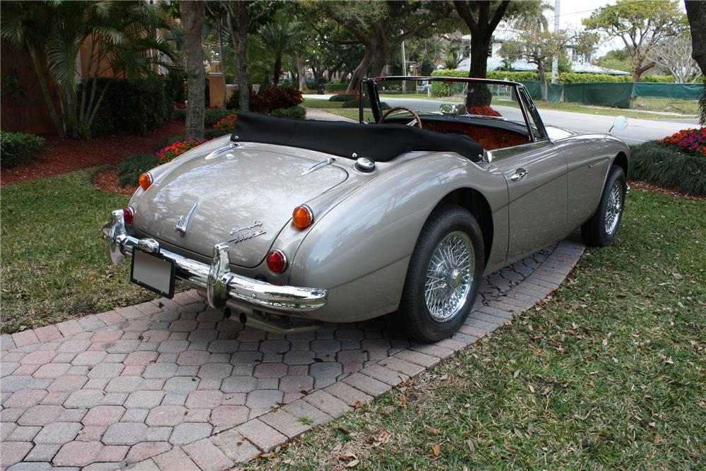 1967 AUSTIN-HEALEY 3000 BJ8 ROADSTER - Rear 3/4 - 89212
