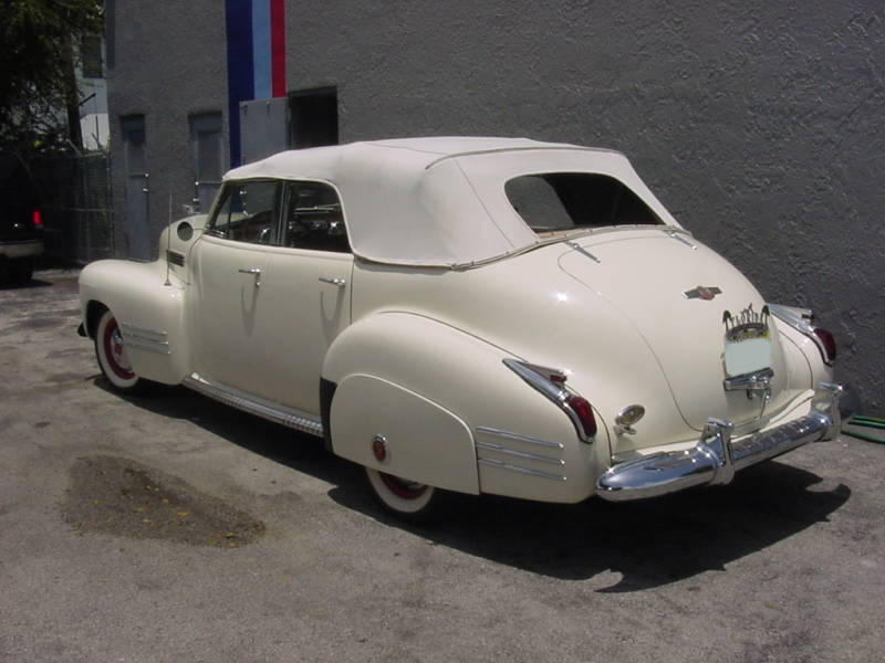 1941 CADILLAC SERIES 62 4 DOOR CONVERTIBLE - Rear 3/4 - 89216