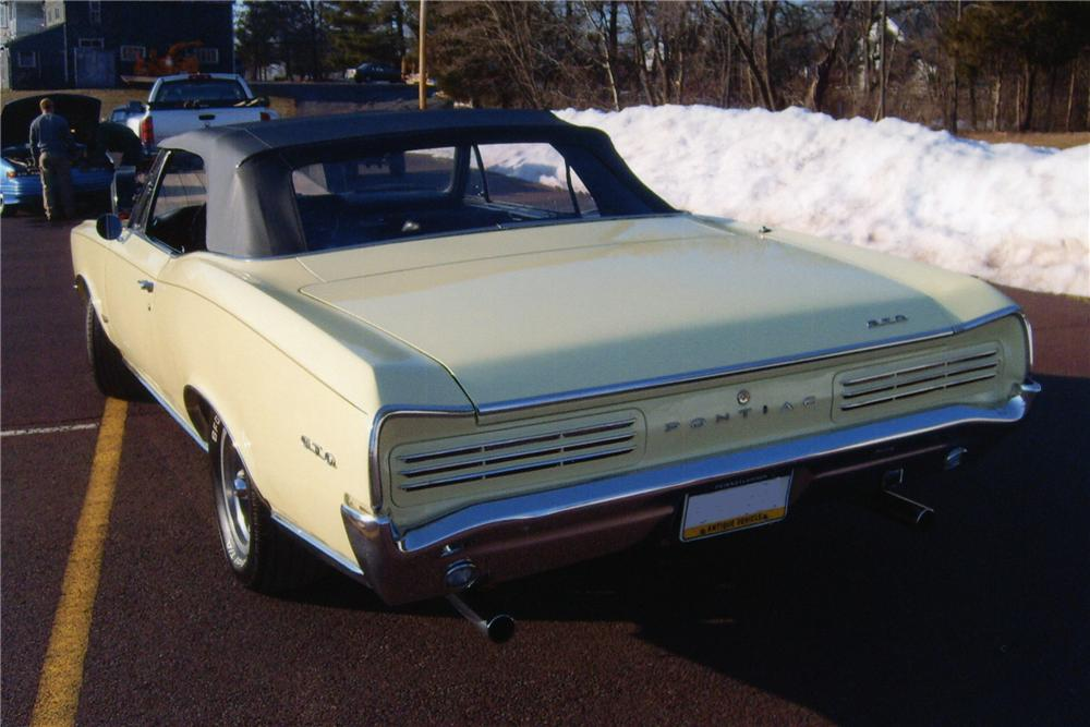 1966 PONTIAC GTO CONVERTIBLE - Rear 3/4 - 89225