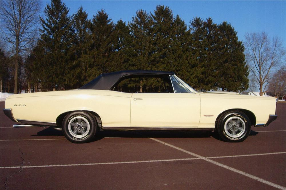 1966 PONTIAC GTO CONVERTIBLE - Side Profile - 89225