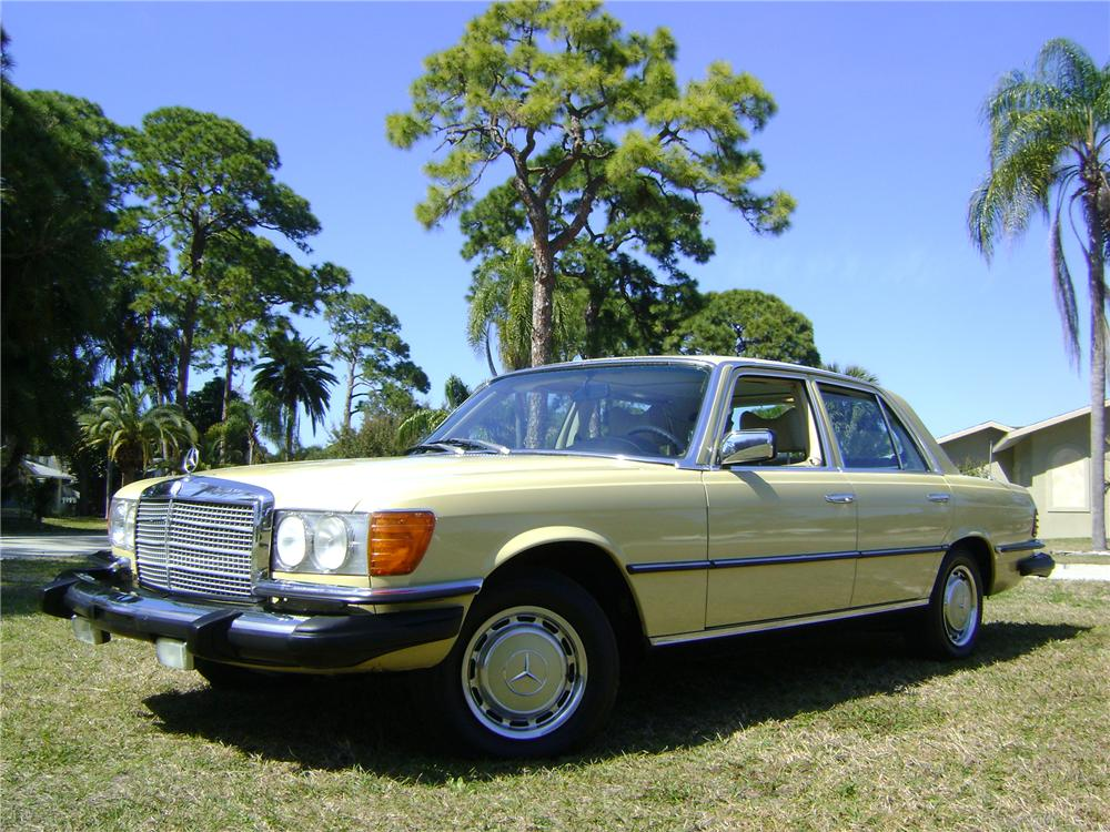 1977 MERCEDES-BENZ 280SE 4 DOOR SEDAN - Front 3/4 - 89226
