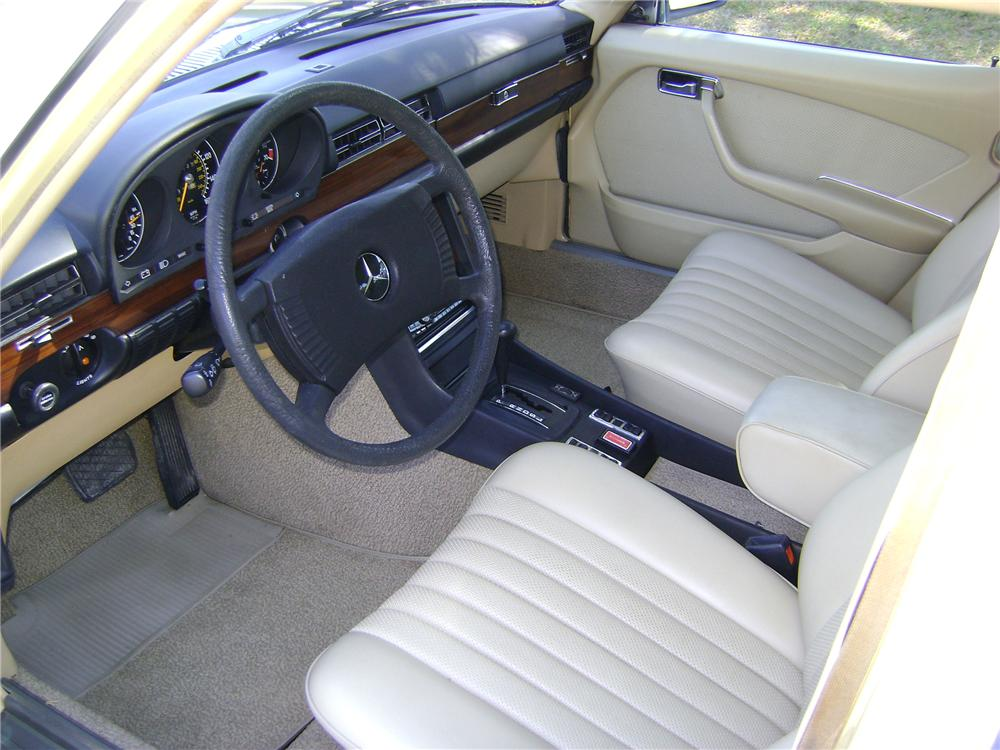 1977 MERCEDES-BENZ 280SE 4 DOOR SEDAN - Interior - 89226