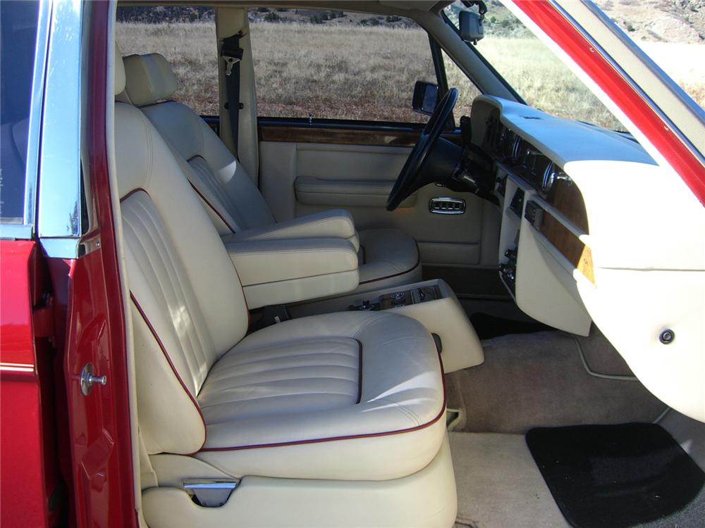 1986 ROLLS-ROYCE SILVER SPUR 4 DOOR SEDAN - Interior - 89227