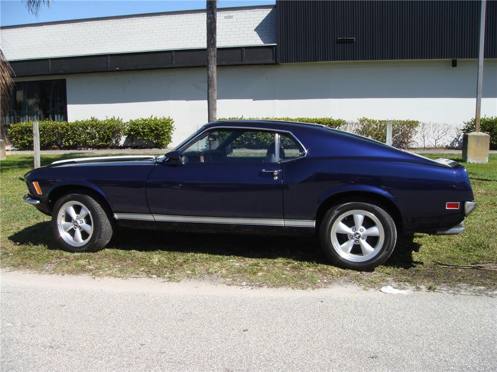 1970 FORD MUSTANG 2 DOOR FASTBACK - Front 3/4 - 89275
