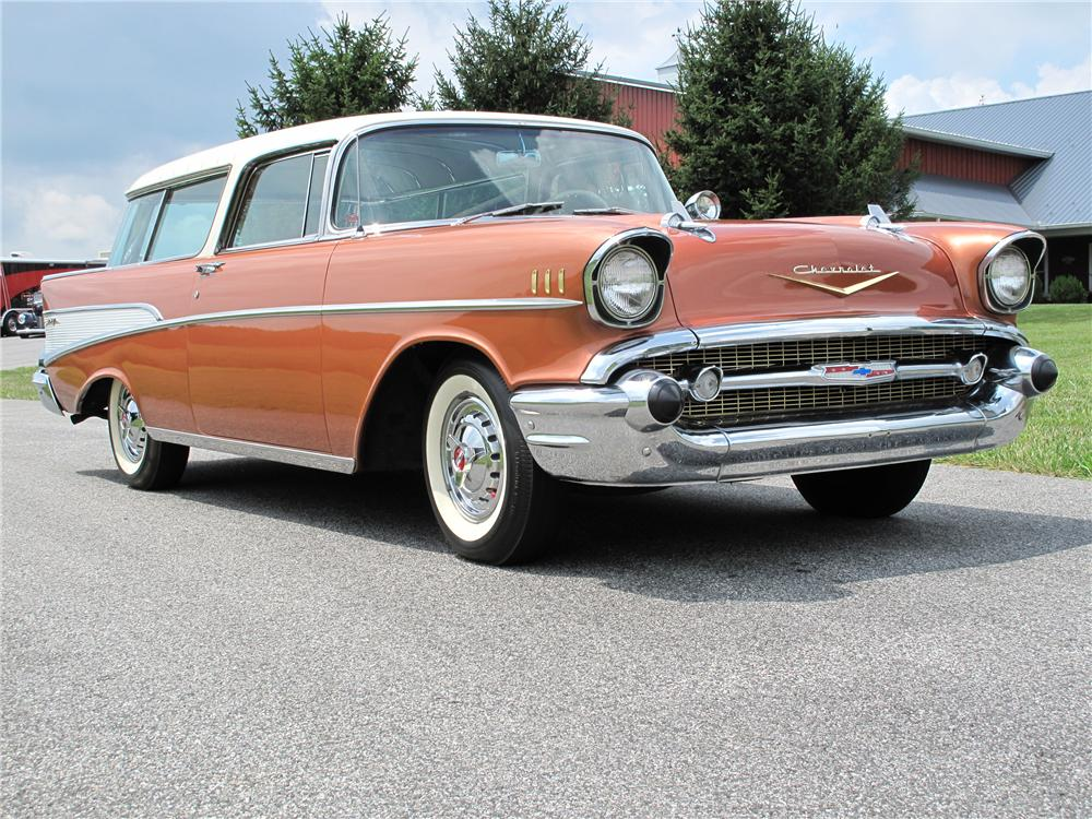 1957 CHEVROLET NOMAD WAGON - Front 3/4 - 89282