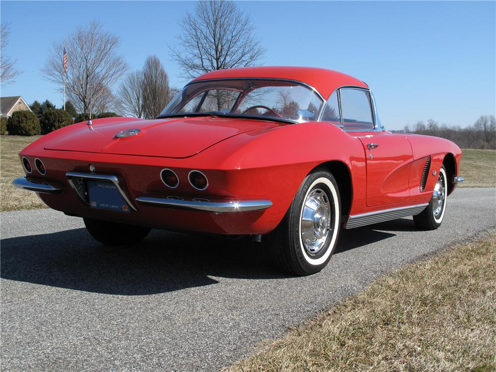1962 CHEVROLET CORVETTE 2 DOOR CONVERTIBLE - Rear 3/4 - 89283
