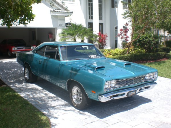 1969 DODGE SUPER BEE 2 DOOR HARDTOP - Front 3/4 - 89290