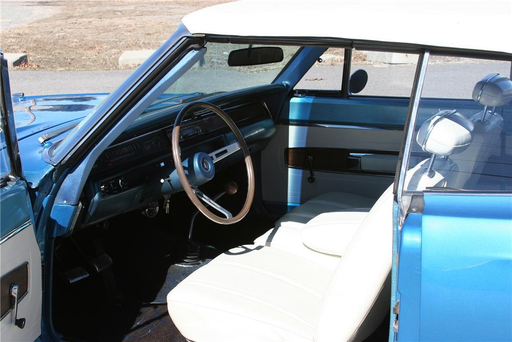 1968 PLYMOUTH GTX 2 DOOR CONVERTIBLE - Interior - 89311