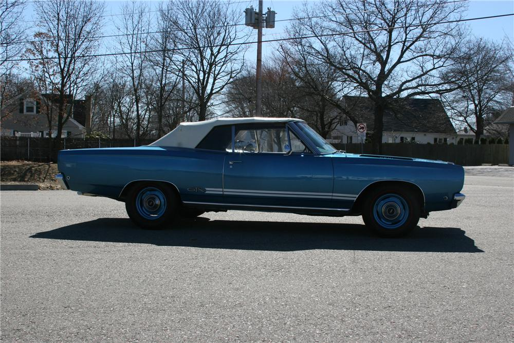 1968 PLYMOUTH GTX 2 DOOR CONVERTIBLE - Side Profile - 89311