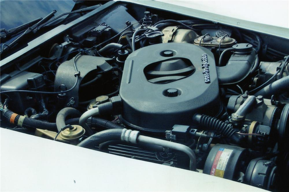1982 CHEVROLET CORVETTE 2 DOOR COUPE - Engine - 89329