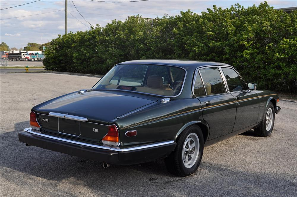 1987 JAGUAR XJ 6 4 DOOR SEDAN - Rear 3/4 - 89576