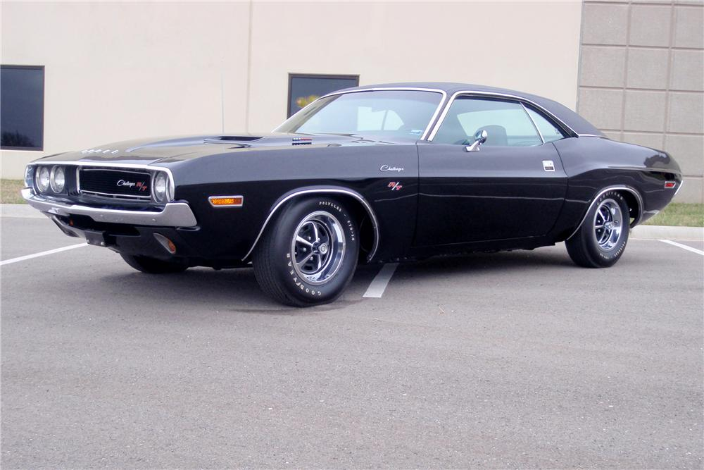 1970 DODGE CHALLENGER 2 DOOR COUPE - Front 3/4 - 89640