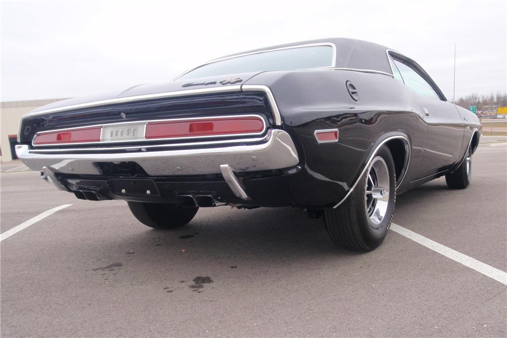 1970 DODGE CHALLENGER 2 DOOR COUPE - Rear 3/4 - 89640