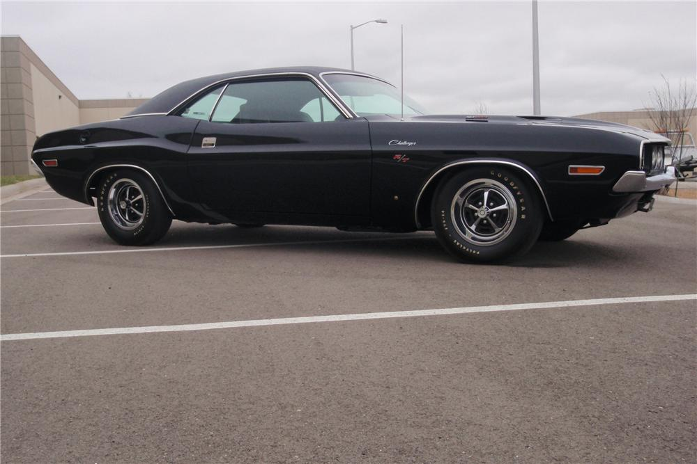1970 DODGE CHALLENGER 2 DOOR COUPE - Side Profile - 89640