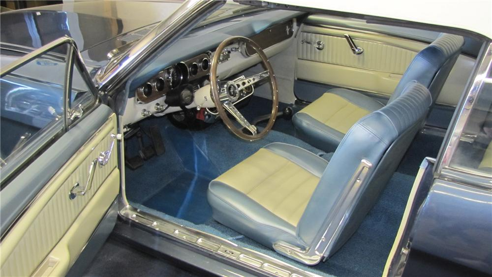 1965 FORD MUSTANG CONVERTIBLE - Interior - 89661