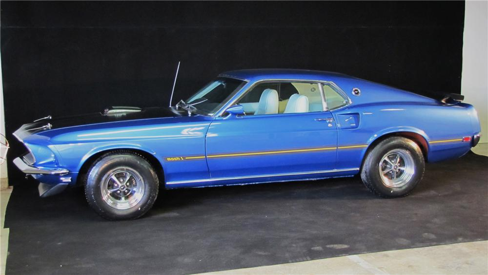 """1969 FORD MUSTANG 428 CJ """"R"""" FASTBACK - Front 3/4 - 89667"""
