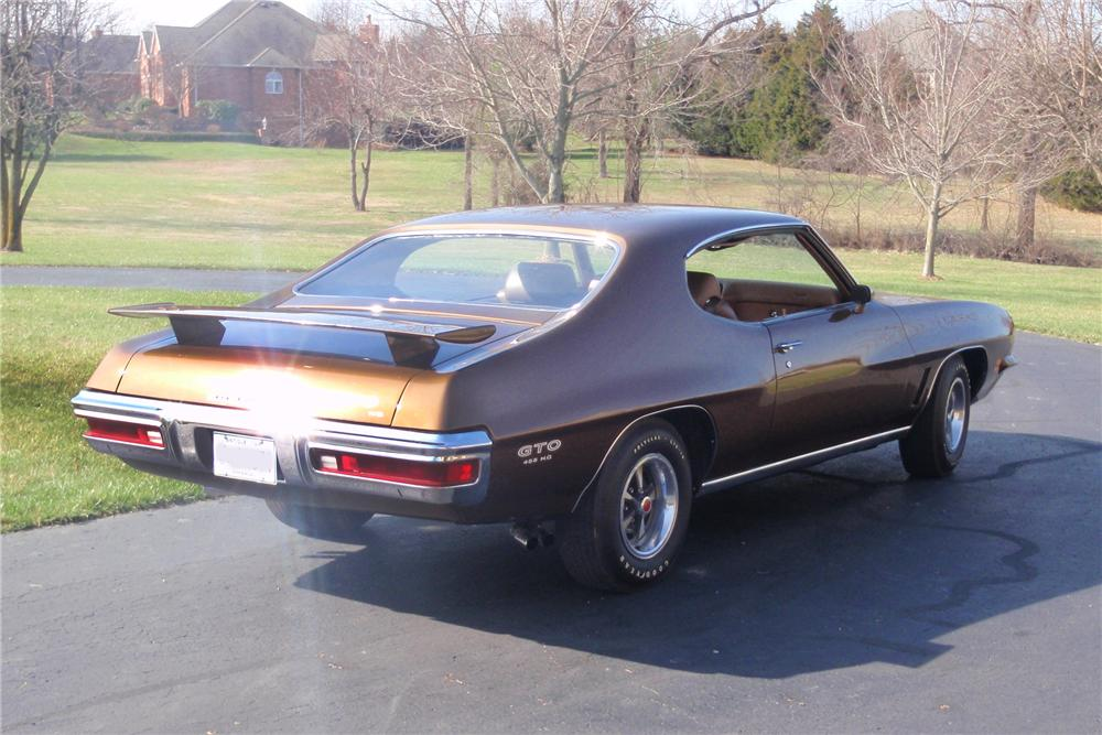 1972 PONTIAC GTO 2 DOOR HARDTOP - Rear 3/4 - 89670