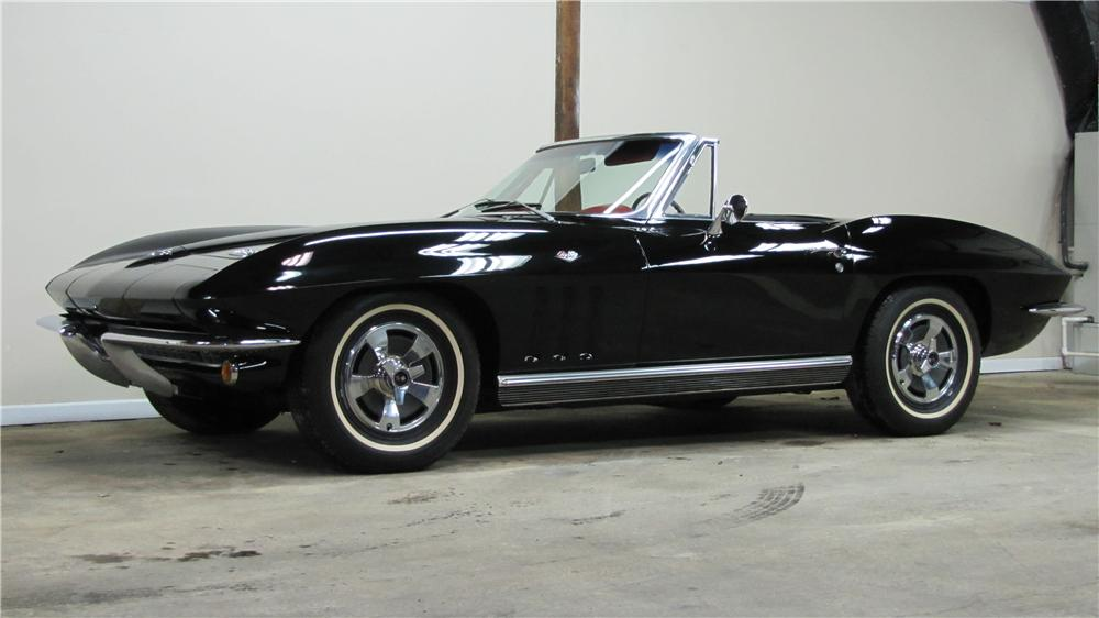 1966 CHEVROLET CORVETTE CONVERTIBLE - Front 3/4 - 89671