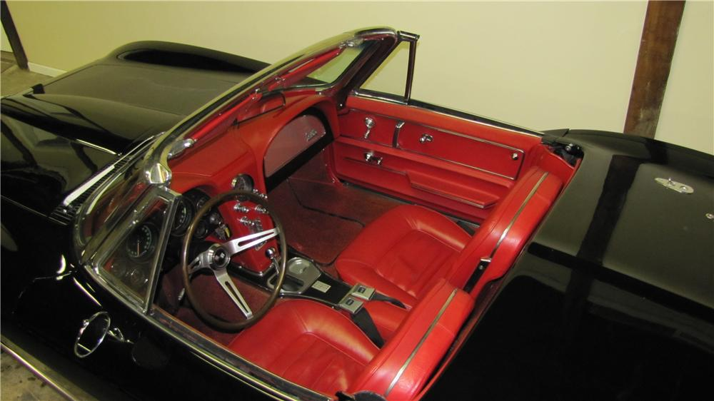 1966 CHEVROLET CORVETTE CONVERTIBLE - Interior - 89671