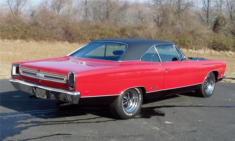 1969 PLYMOUTH GTX 2 DOOR HARDTOP - Rear 3/4 - 89874