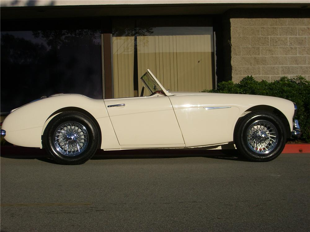 1960 AUSTIN-HEALEY 3000 MARK I BN7 ROADSTER - Side Profile - 90889