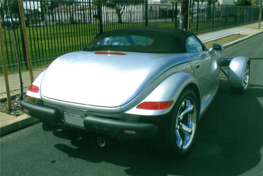 2000 PLYMOUTH PROWLER CONVERTIBLE - Rear 3/4 - 90892
