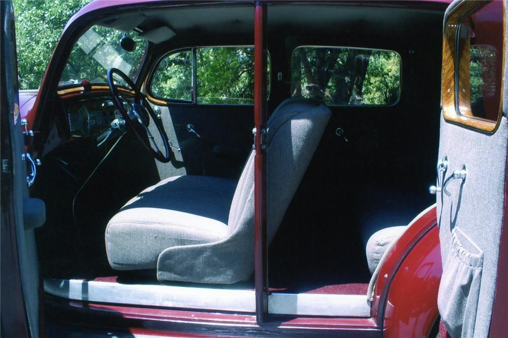 1937 PACKARD 120 CLUB SEDAN - Interior - 90897